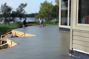 Building Home deck with Lite-Deck